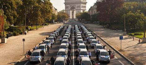 Autolib' Cars Arc De Triomphe